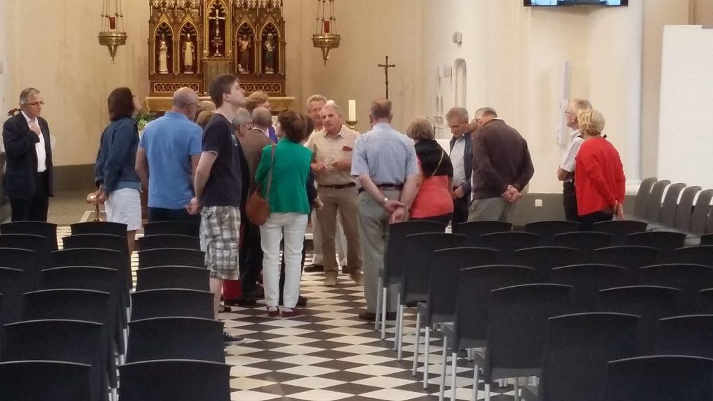 De eerste bezoekers in de kerk Sint-Jan Baptist werden enthousiast ontvangen door de leden van de kerkfabriek die met gepaste trots over 'hun' kerk vertelden.